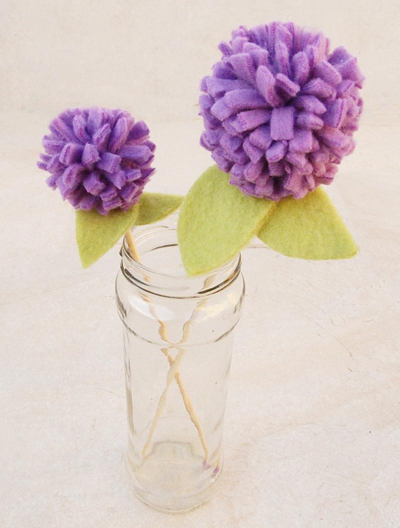 No Sew Fleece Pom Pom Flowers In Jar