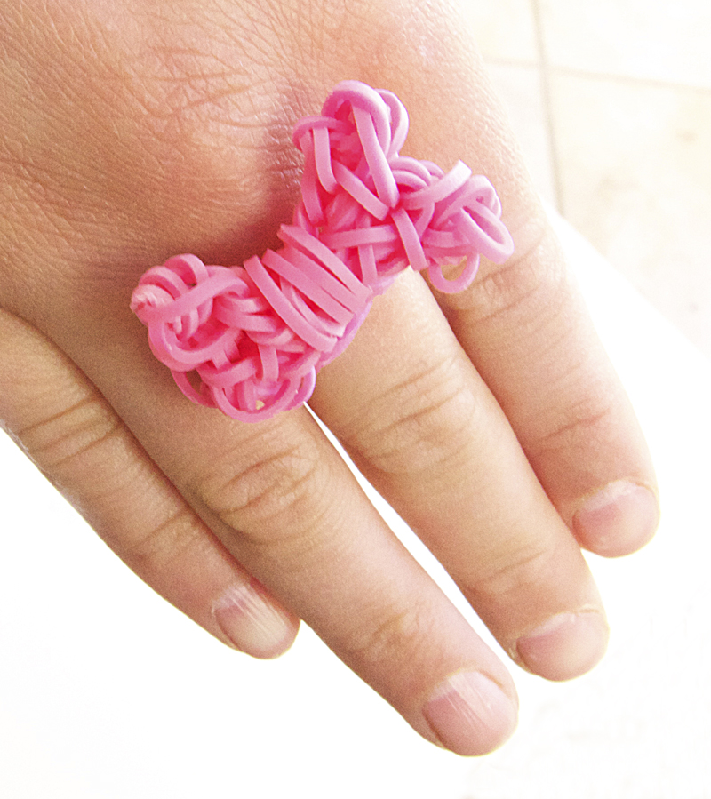 Rainbow loom bow ring