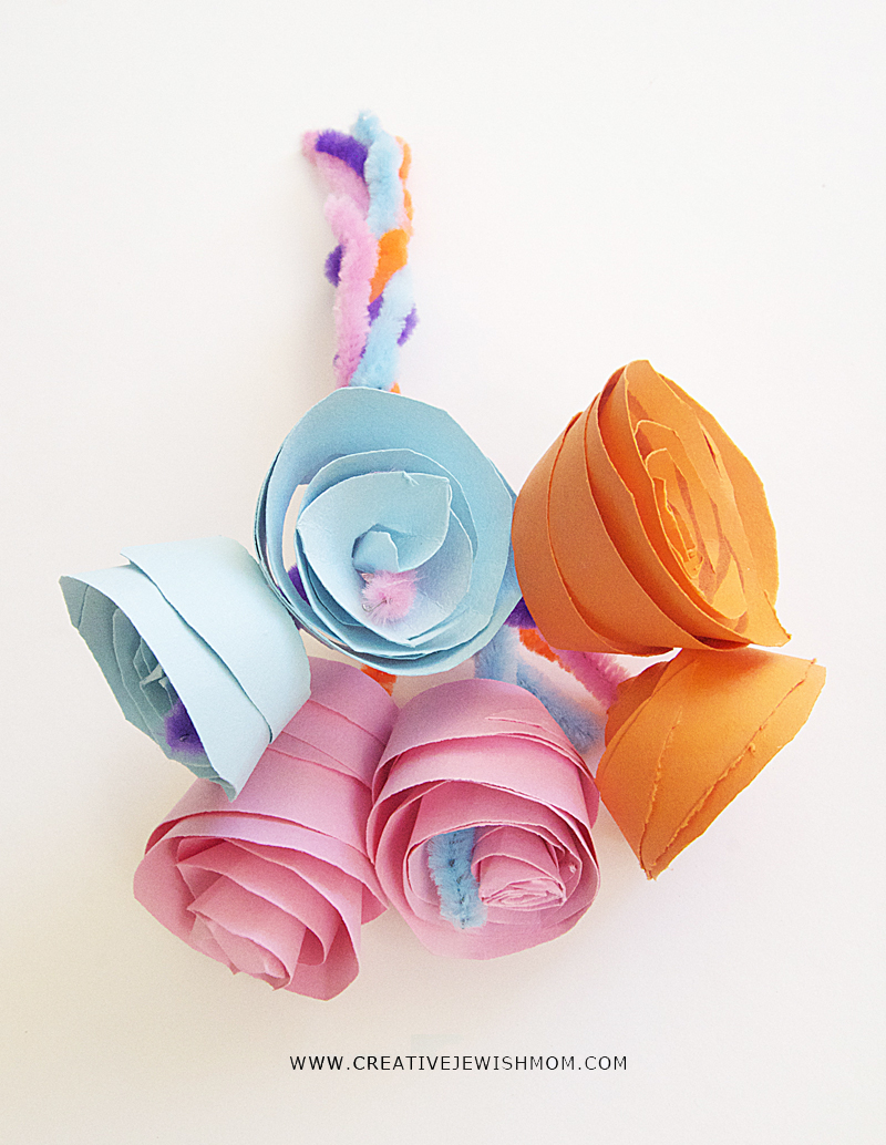 Paper Rosebud Bouquet craft for kids, shavuos
