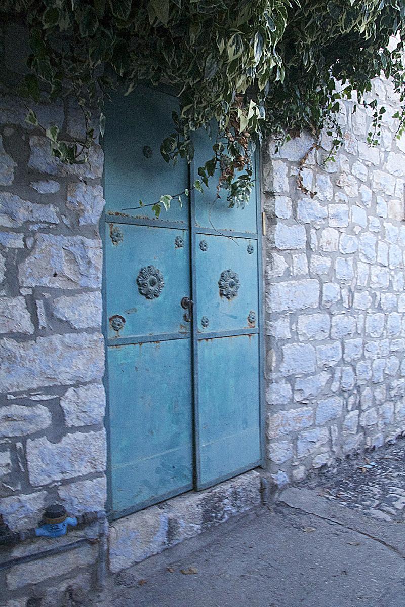 Bloor Door With Ivy old city Safed