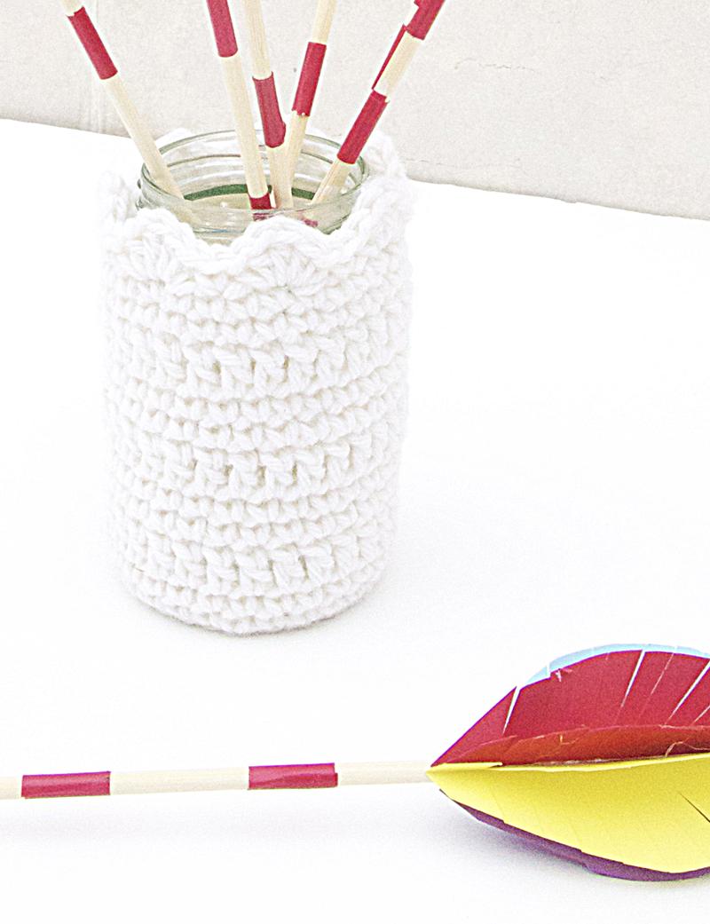 Arrows centerpiece crocheted vase