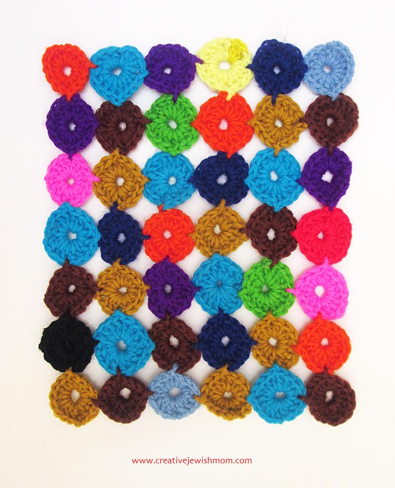 Crochet yo-yo coverlet