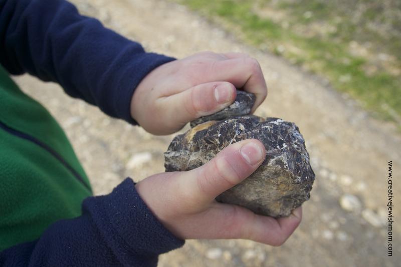 Safed Hike Rubbing Rocks