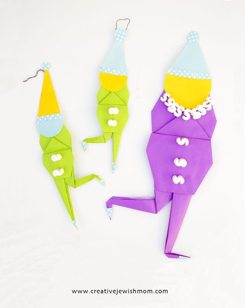 Origami clowns in two sizes