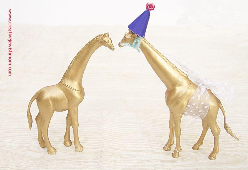 Golden Giraffe Cake Toppers
