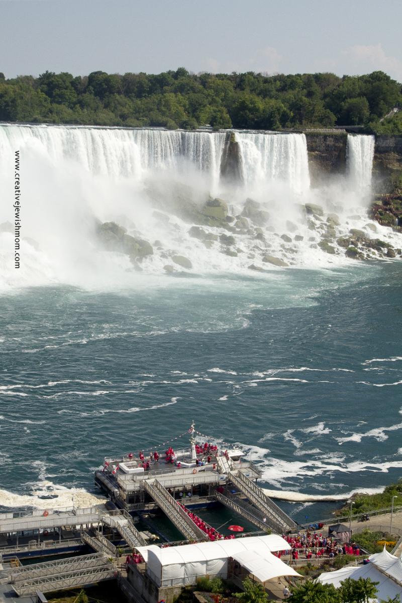Niagara Falls Cruise Ship Loading From Above