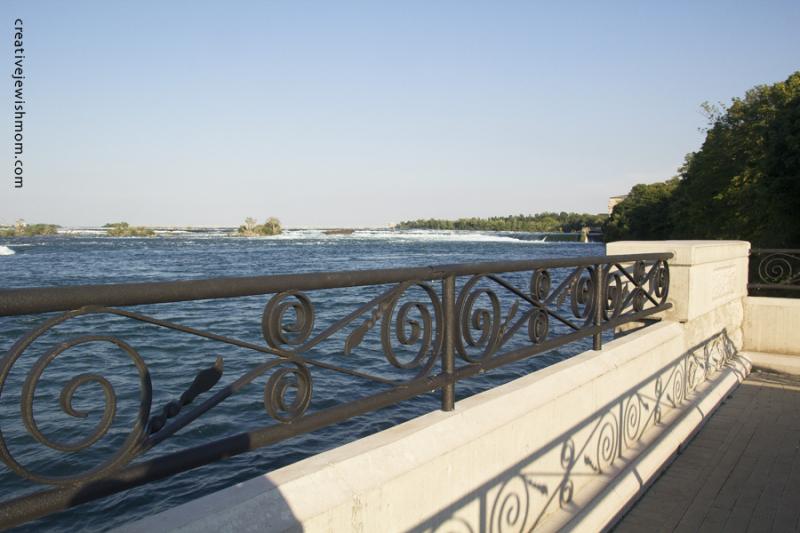 Niagara Falls Promenade