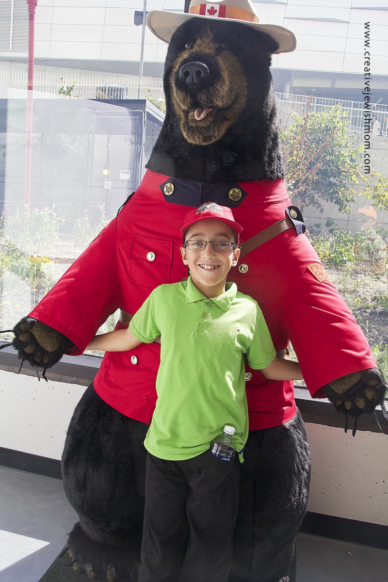 CN tower stuffed bear photo op