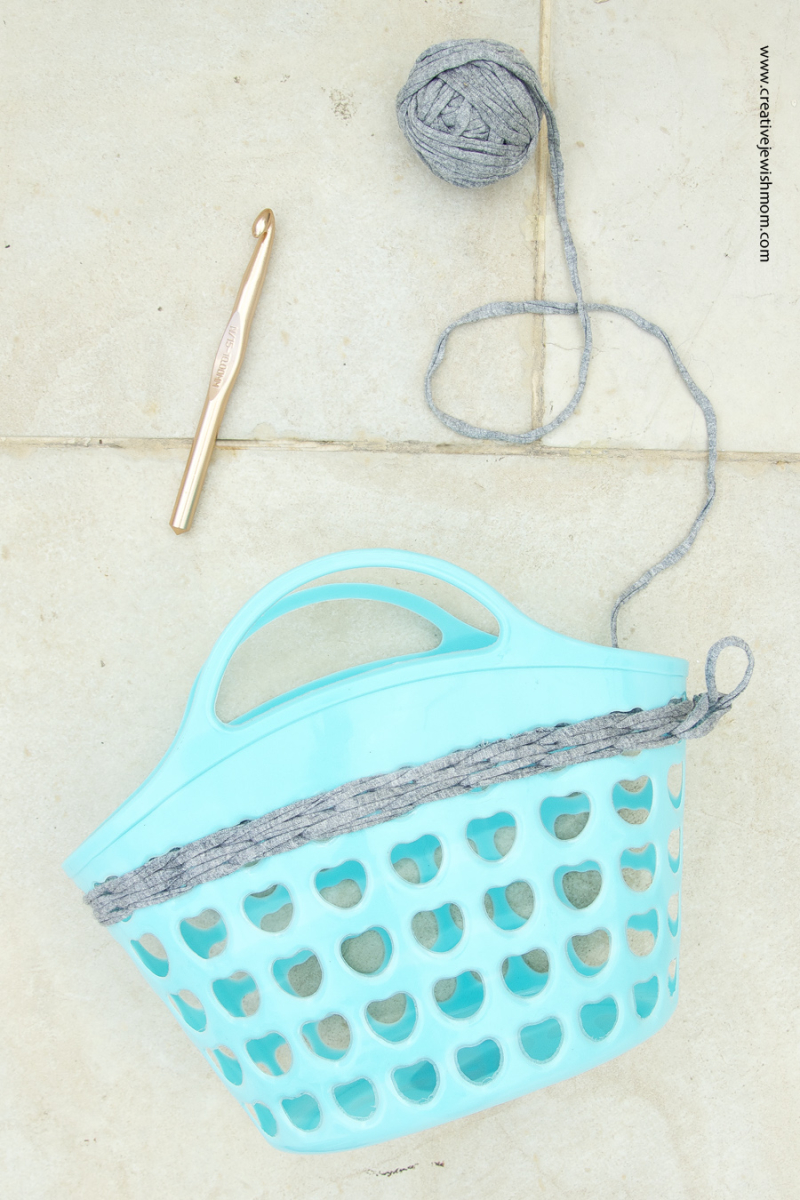 Crochet on plastic basket how to