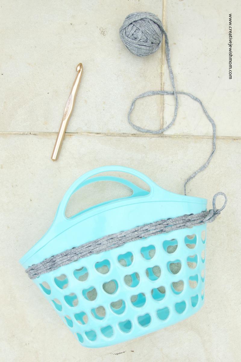 Crochet on plastic basket how to
