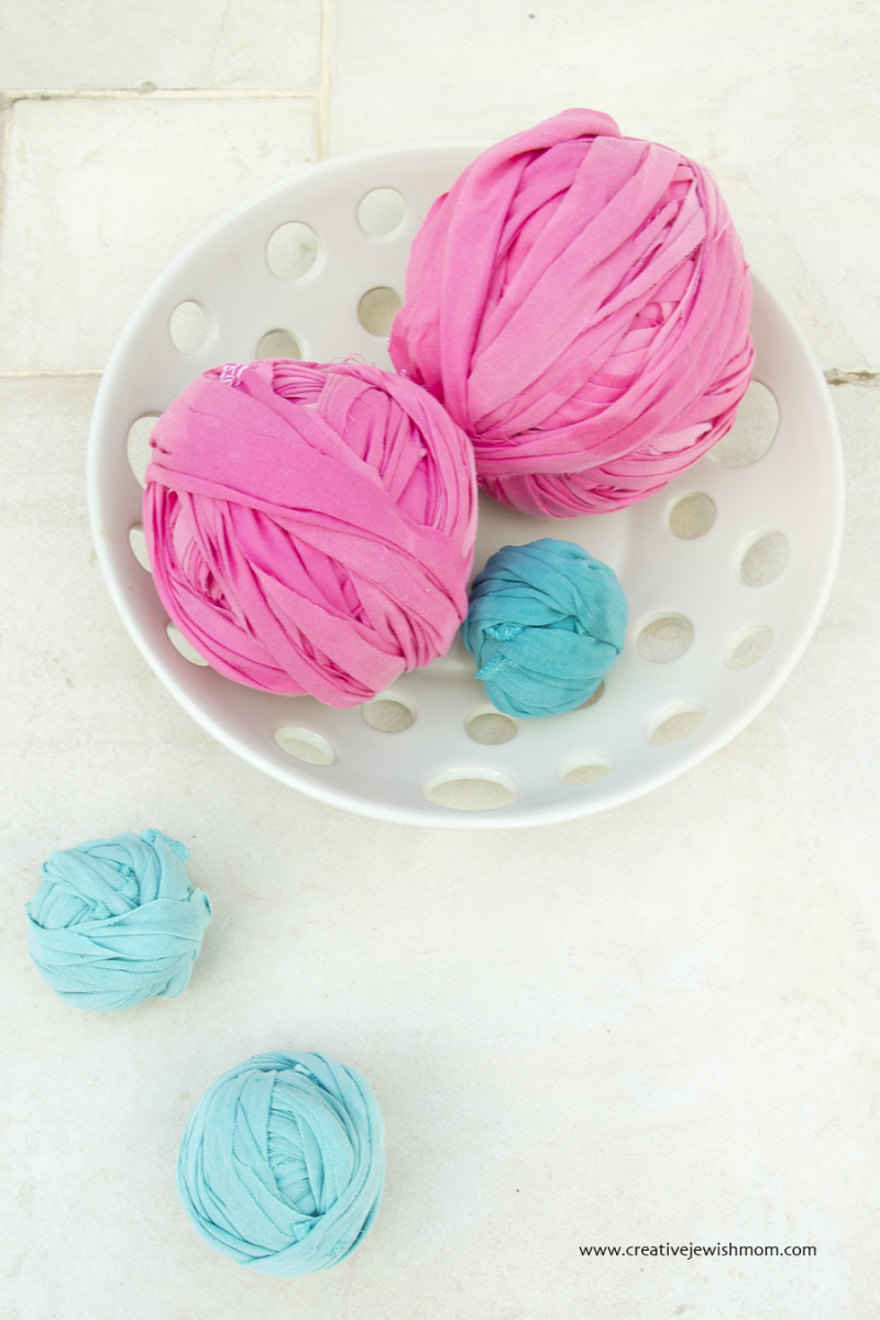 DIY sheet and t-shirt yarn