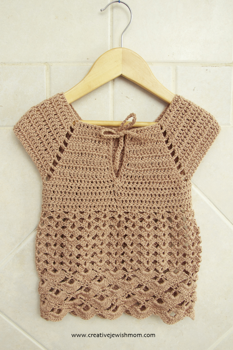 Crocheted simple toddler dress that is fancy too