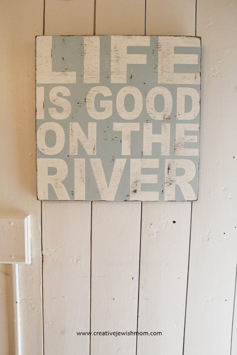 Message signs rustic for vacation house on the river