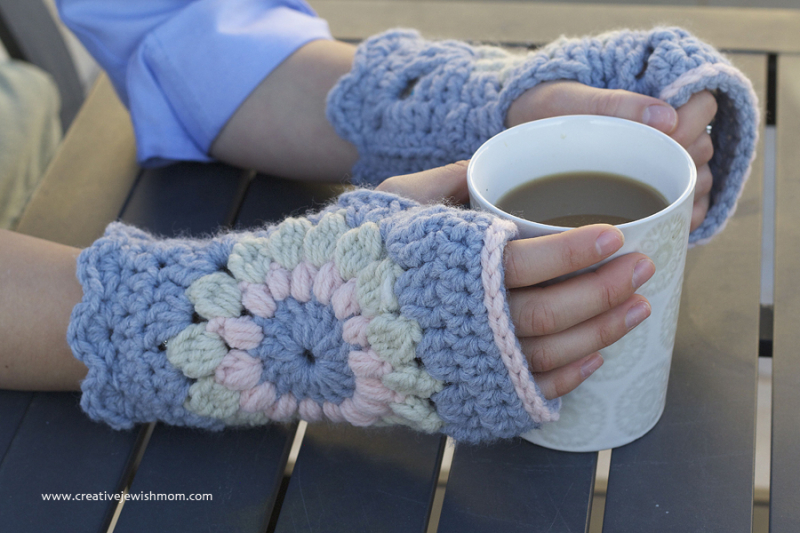 Crocheted Sunburst Granny Chunky Wrist Warmers