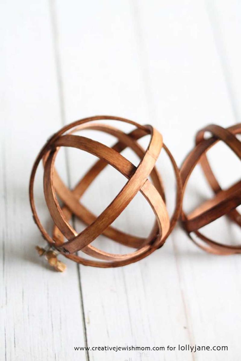 DIY embroidery hoop spheres