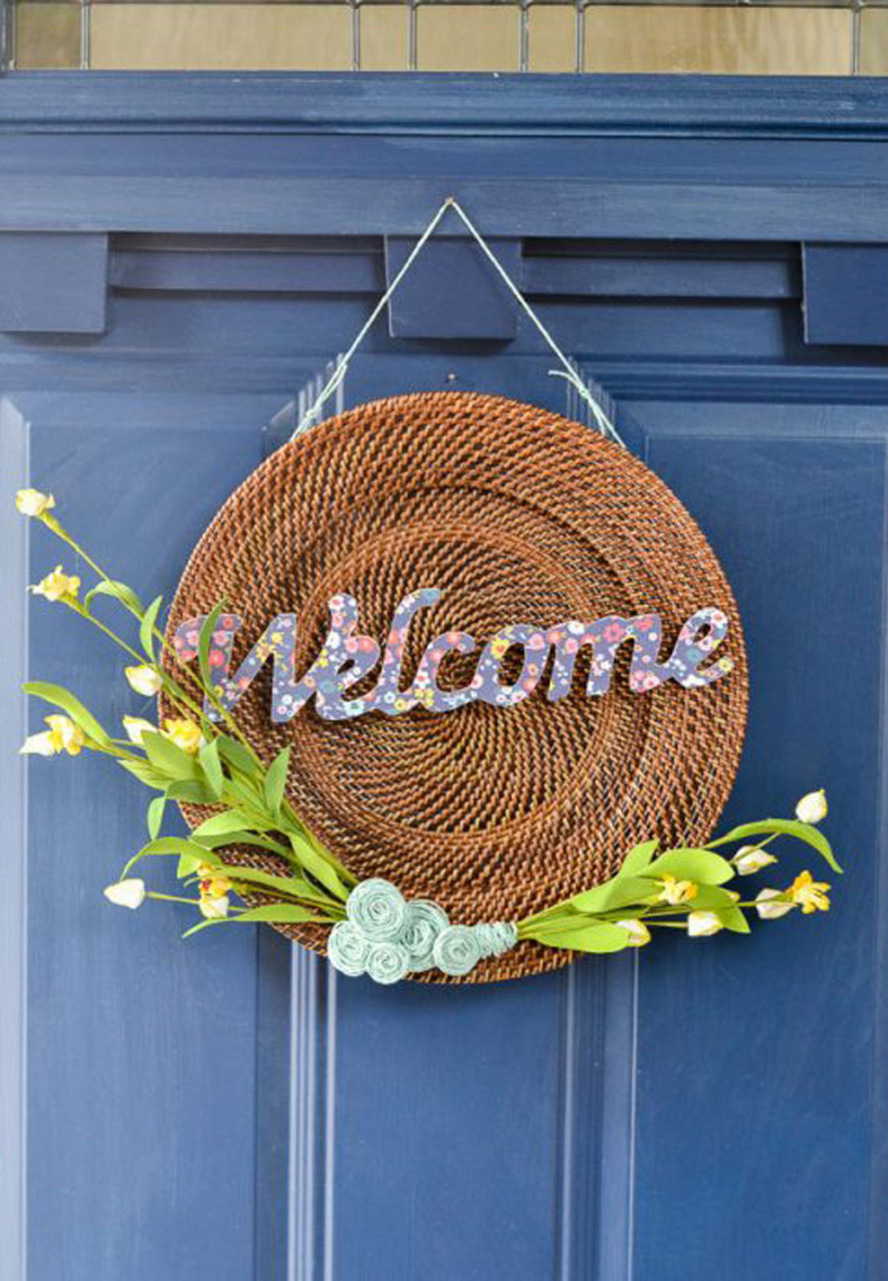 Welcome-door-sign from upcycled placemat