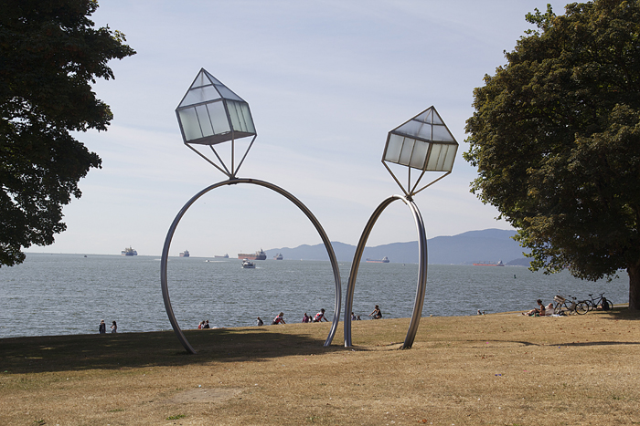 Vancouver Public Sculpture,wedding rings