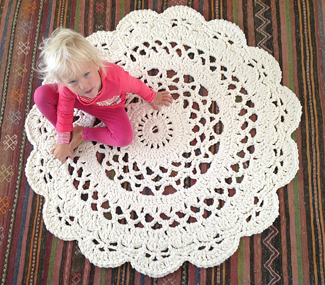 6a011570601a80970b01910335d2d7970c 800wi The Giant Crocheted Doily Rug Original Pattern