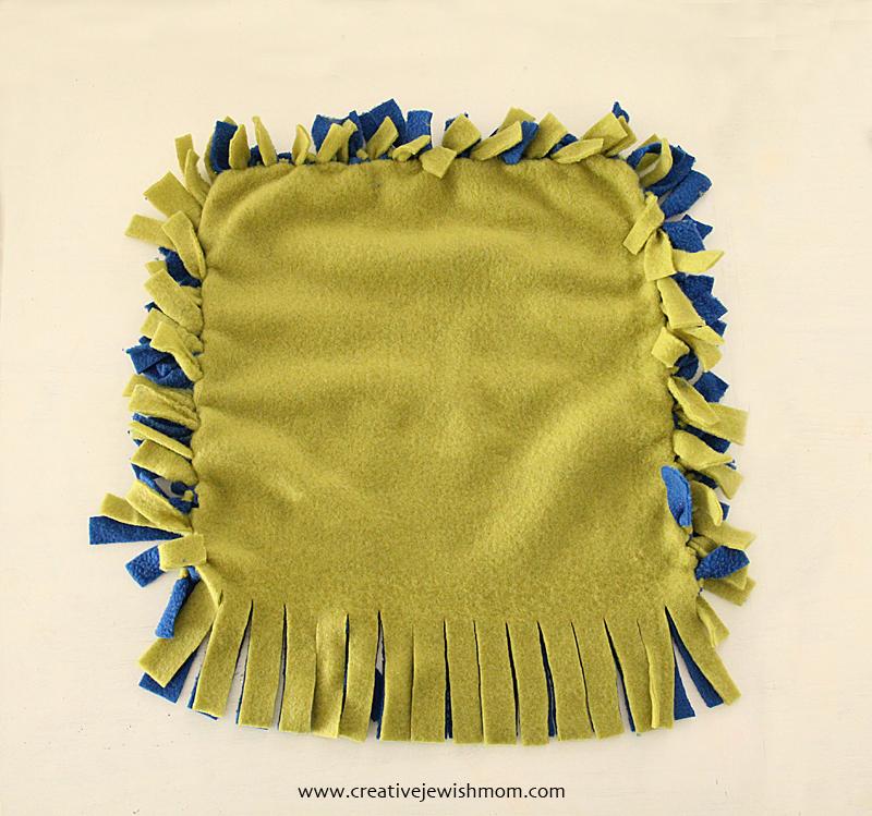 No Sew Fleece Blanket How to #4