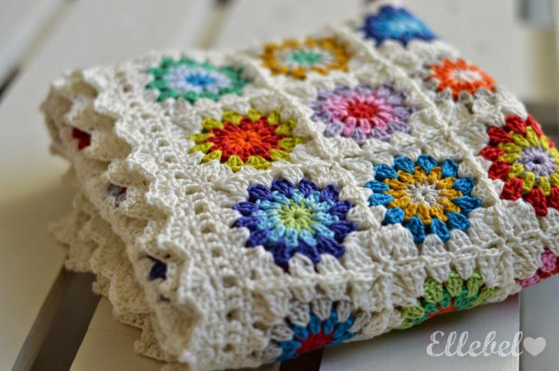 Crochet round granny baby blanket