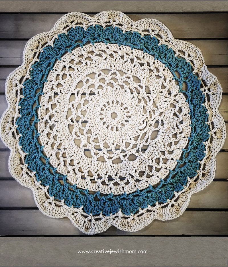 Crocheted Doily Throw With Chunky yarn