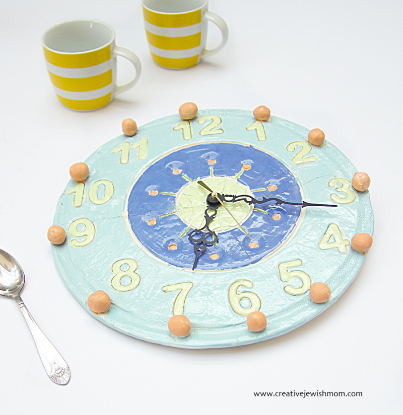 Ceramic Clock With Balls Craft