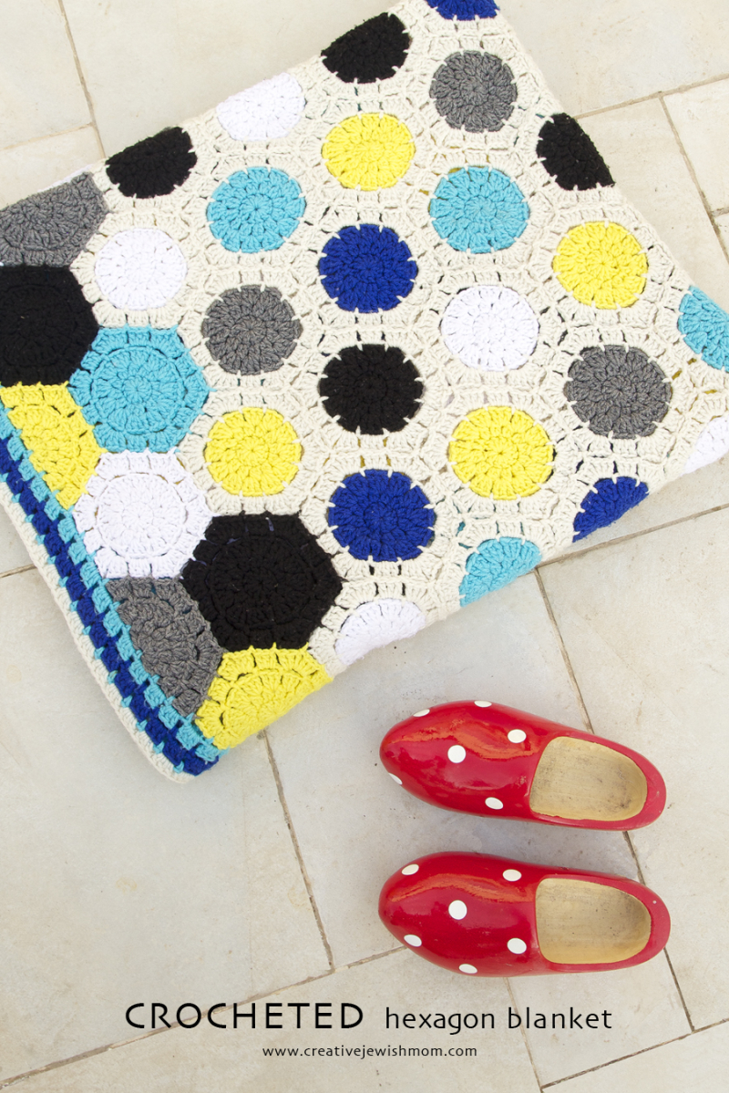 Crocheted Hexigon Blanket With Circles