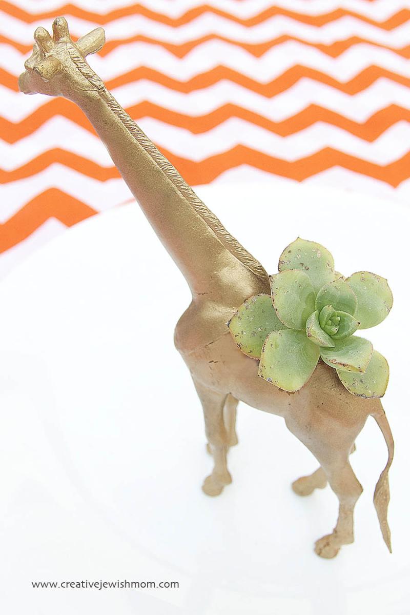 Plastic Animal Giraffe succulent holder