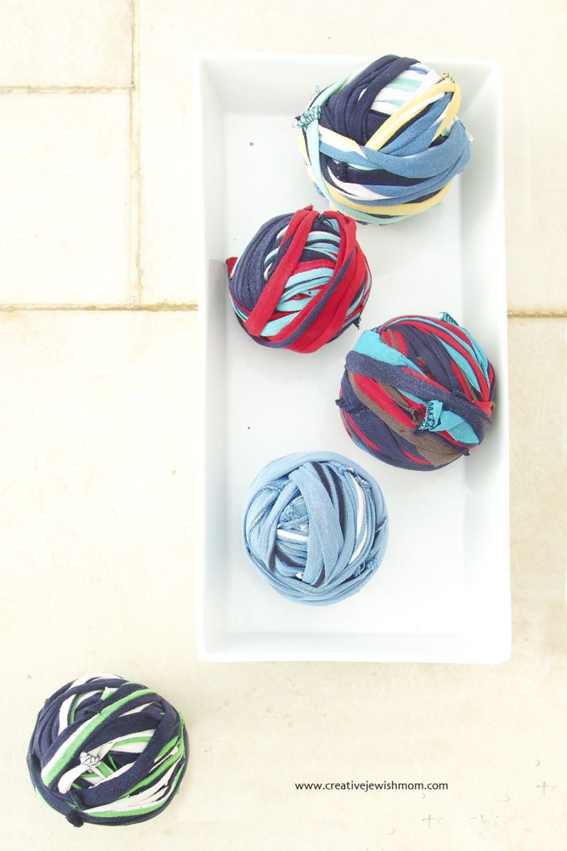 DIY t-shirt yarn from striped shirts