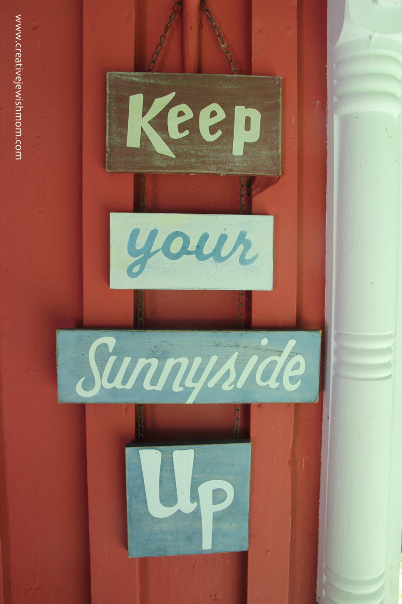 Rustic message signs for vacation house