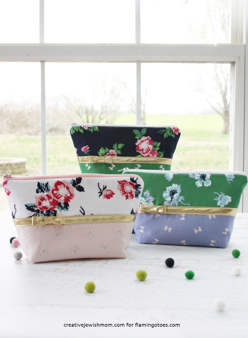Pretty-Gold-and-Floral-Zipper-Bags