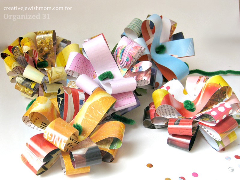 Recycled-magazine-strips-flowers-craft