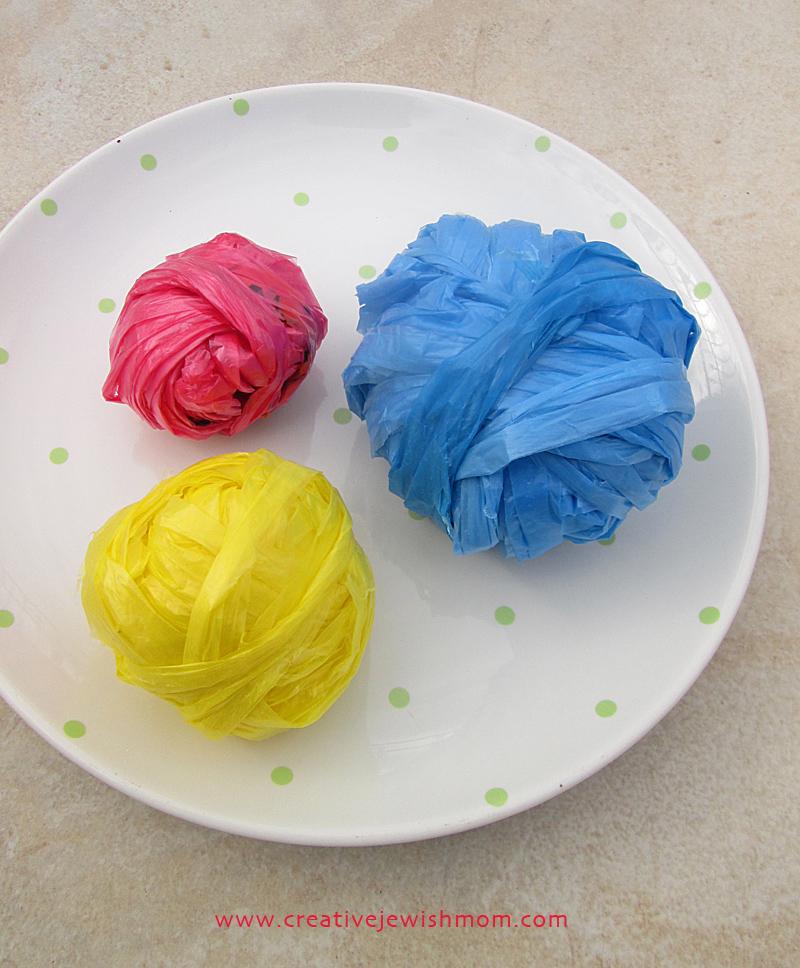 Plarn plastic bag yarn balls