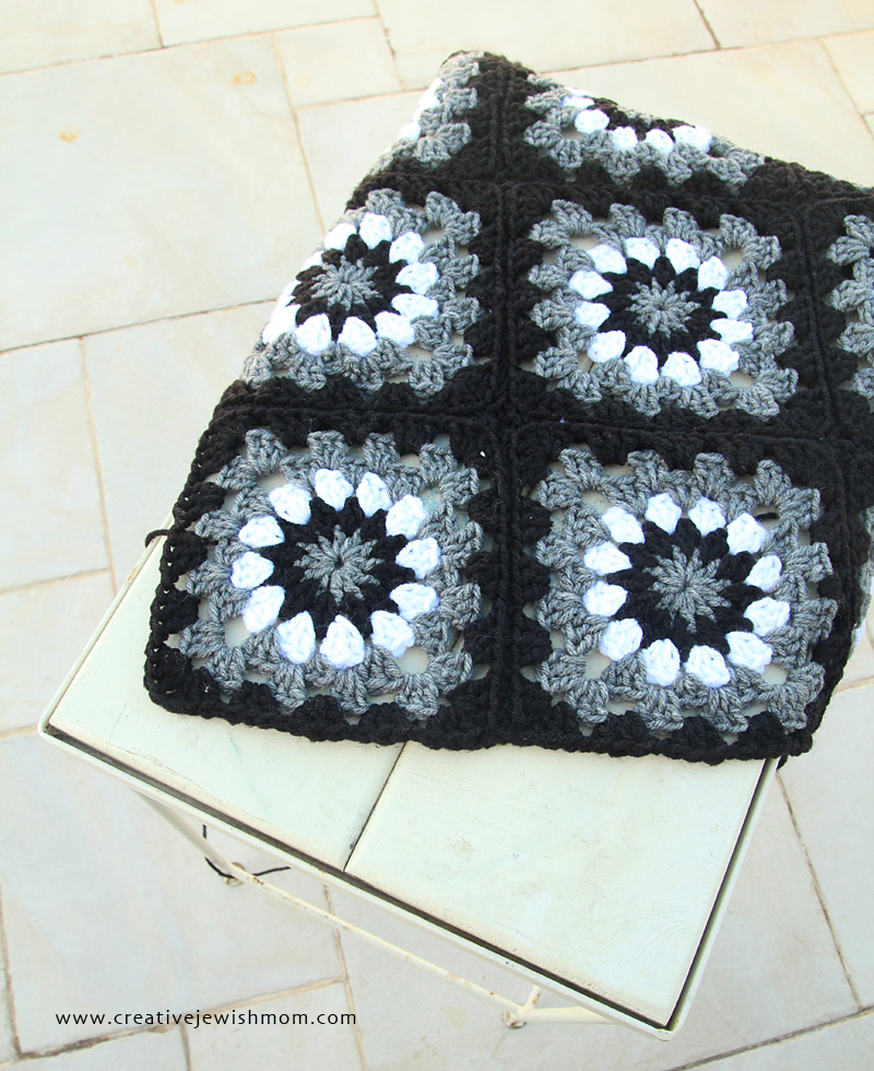 Granny Squares black white grey