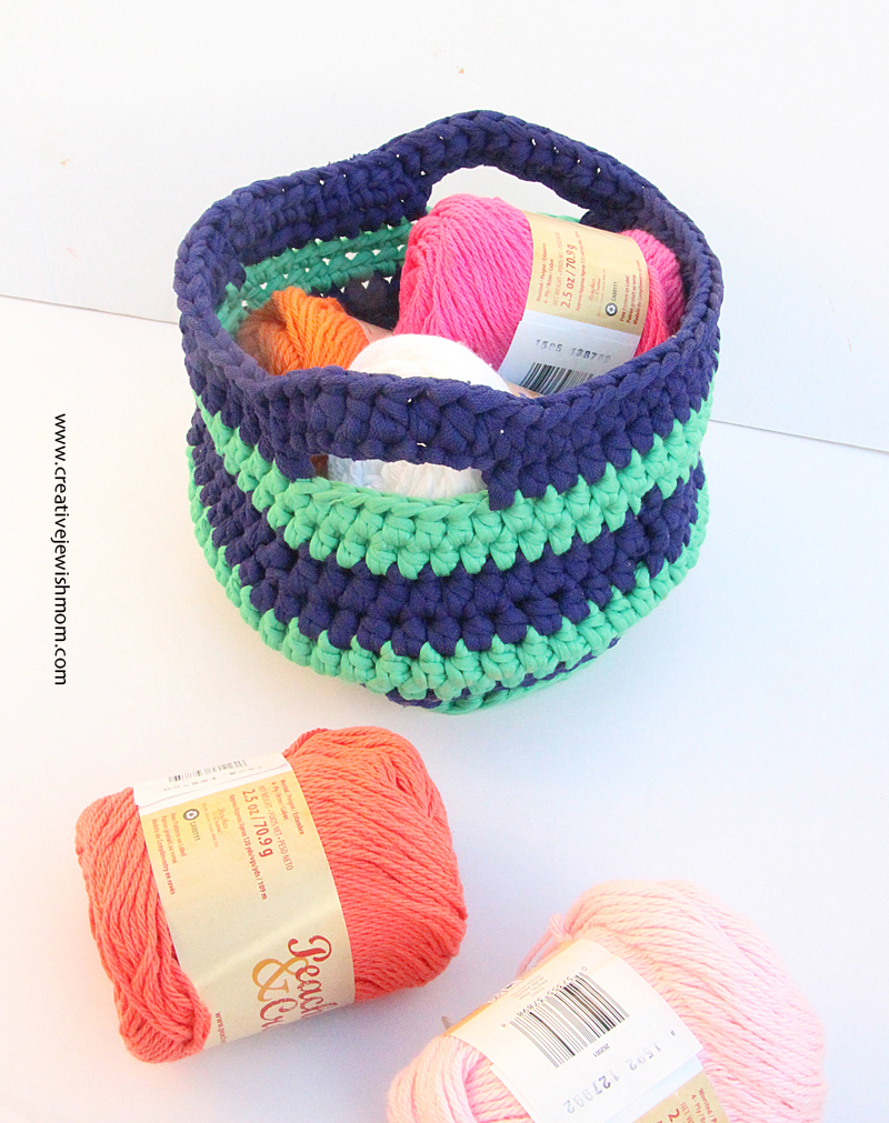 Crocheted t-shirt yarn basket 2