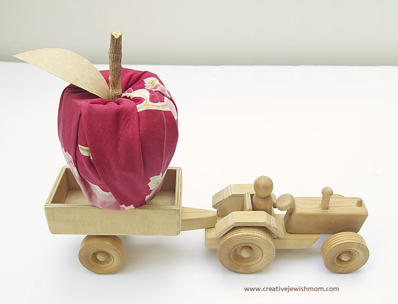 No Sew Fabric Apple With Tractor