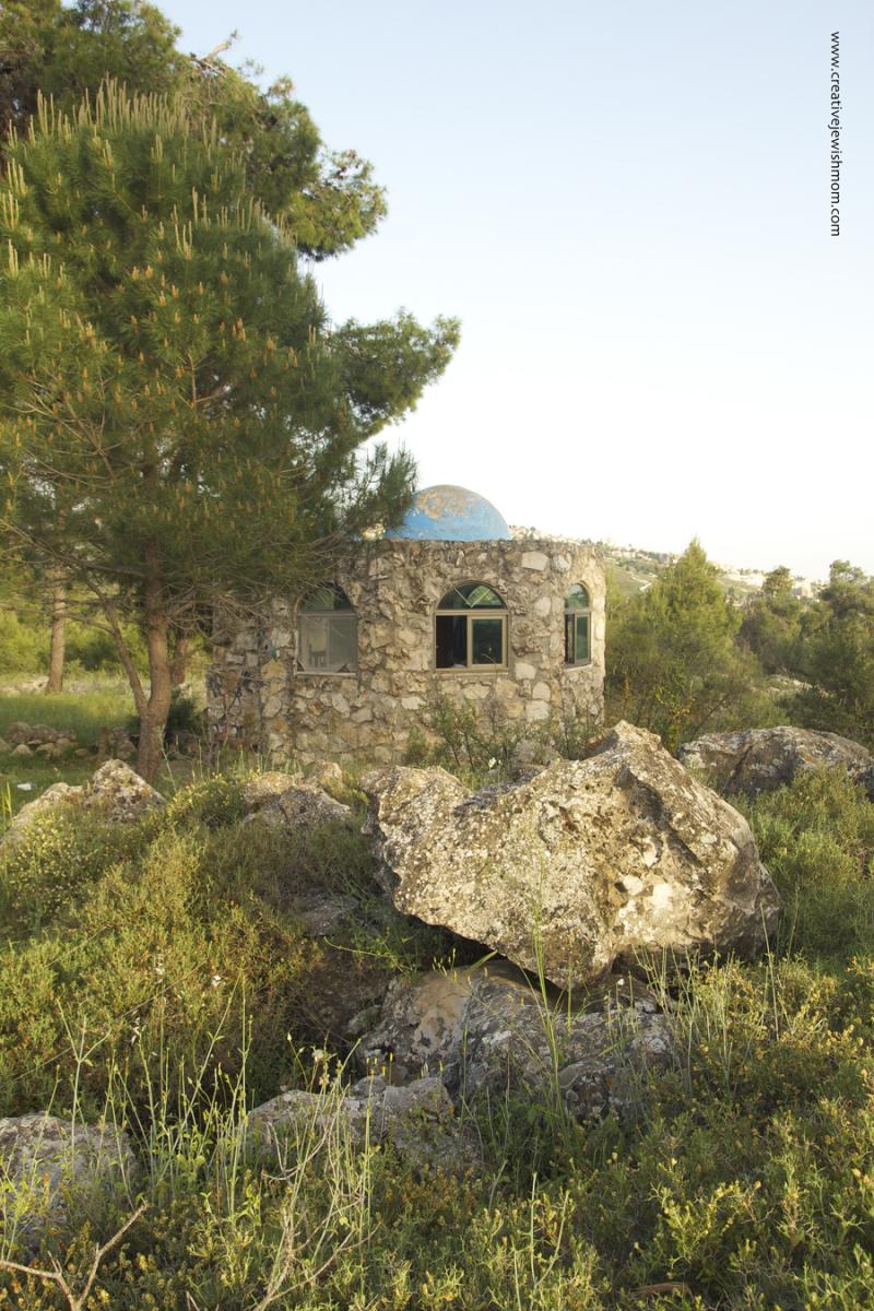 Gravesite of Rabbi Shimon Ben Menasia Baa Shem Tov Forrest