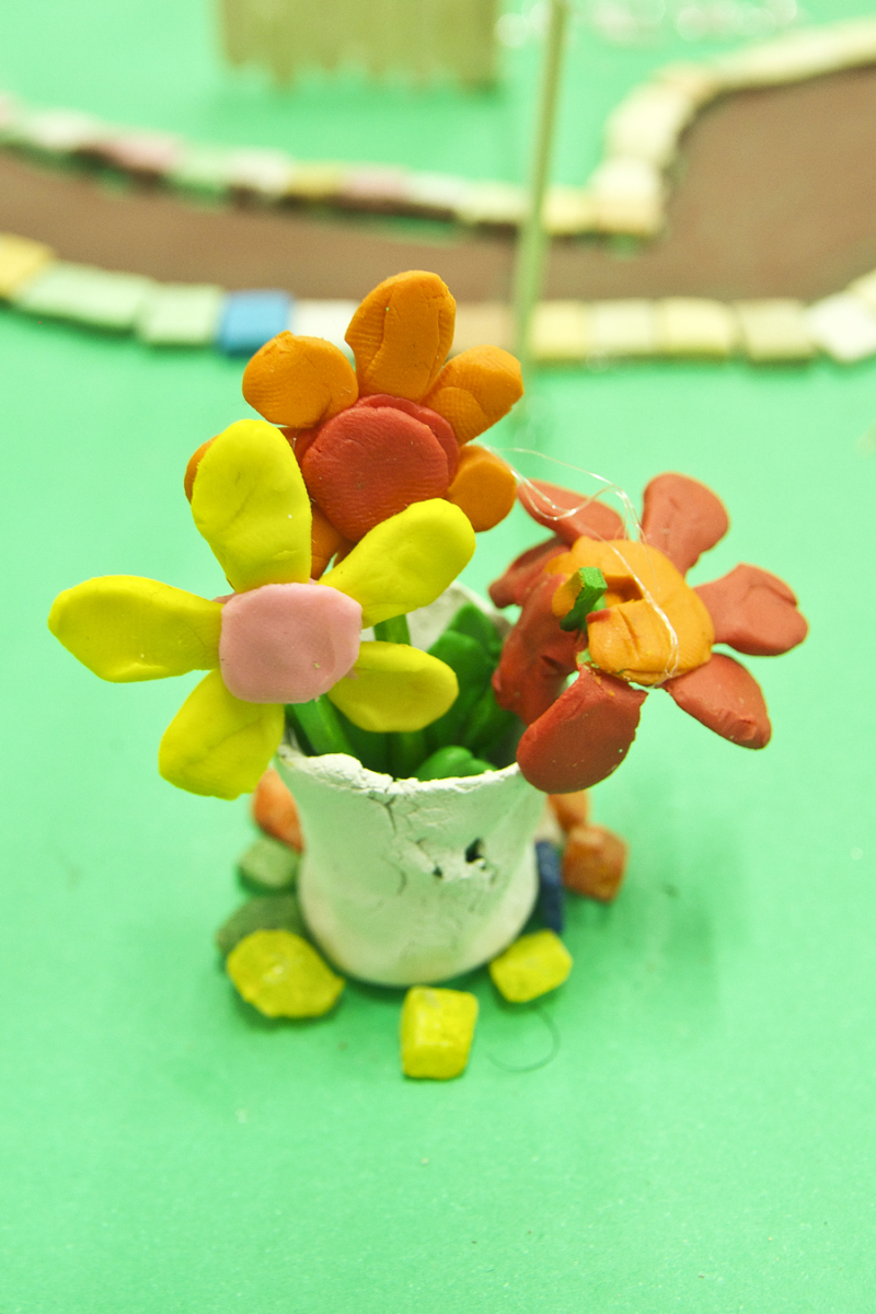 Modeling Clay creativity for kids, pot of flowers