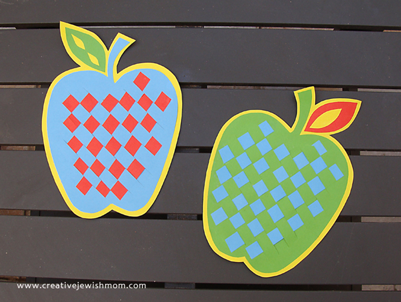 Rosh HaShana woven paper apple craft