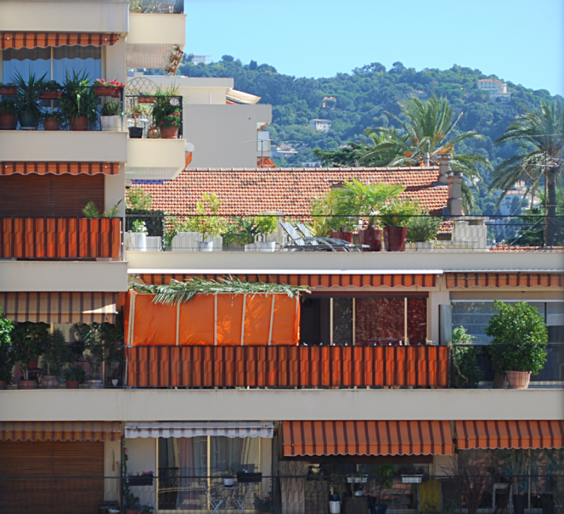 Succah in cannes france