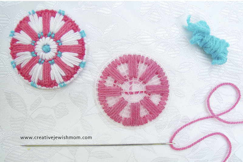 Plastic Canvas snowflake medallion ornament how to