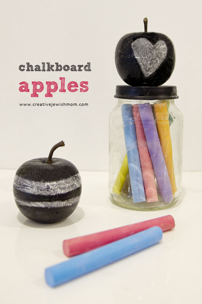 Chalkboard apples DIY