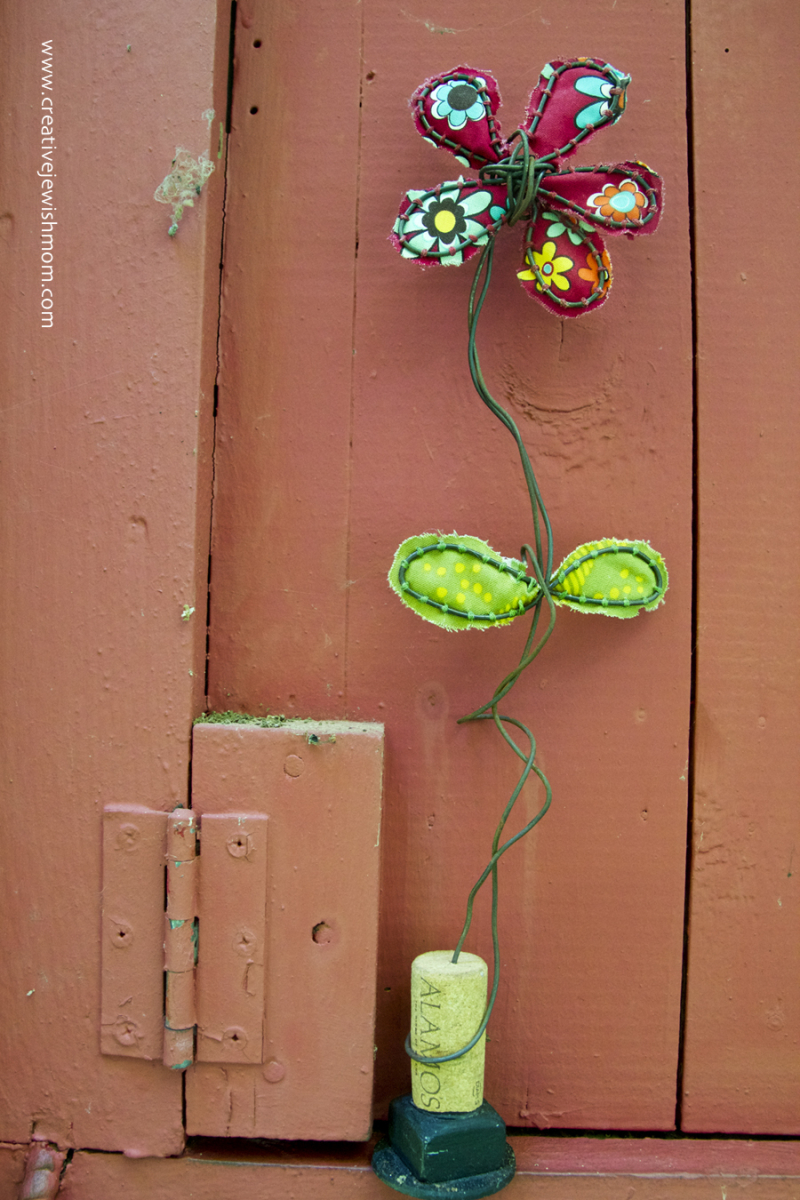 Wire and fabric wine cork base flower craft