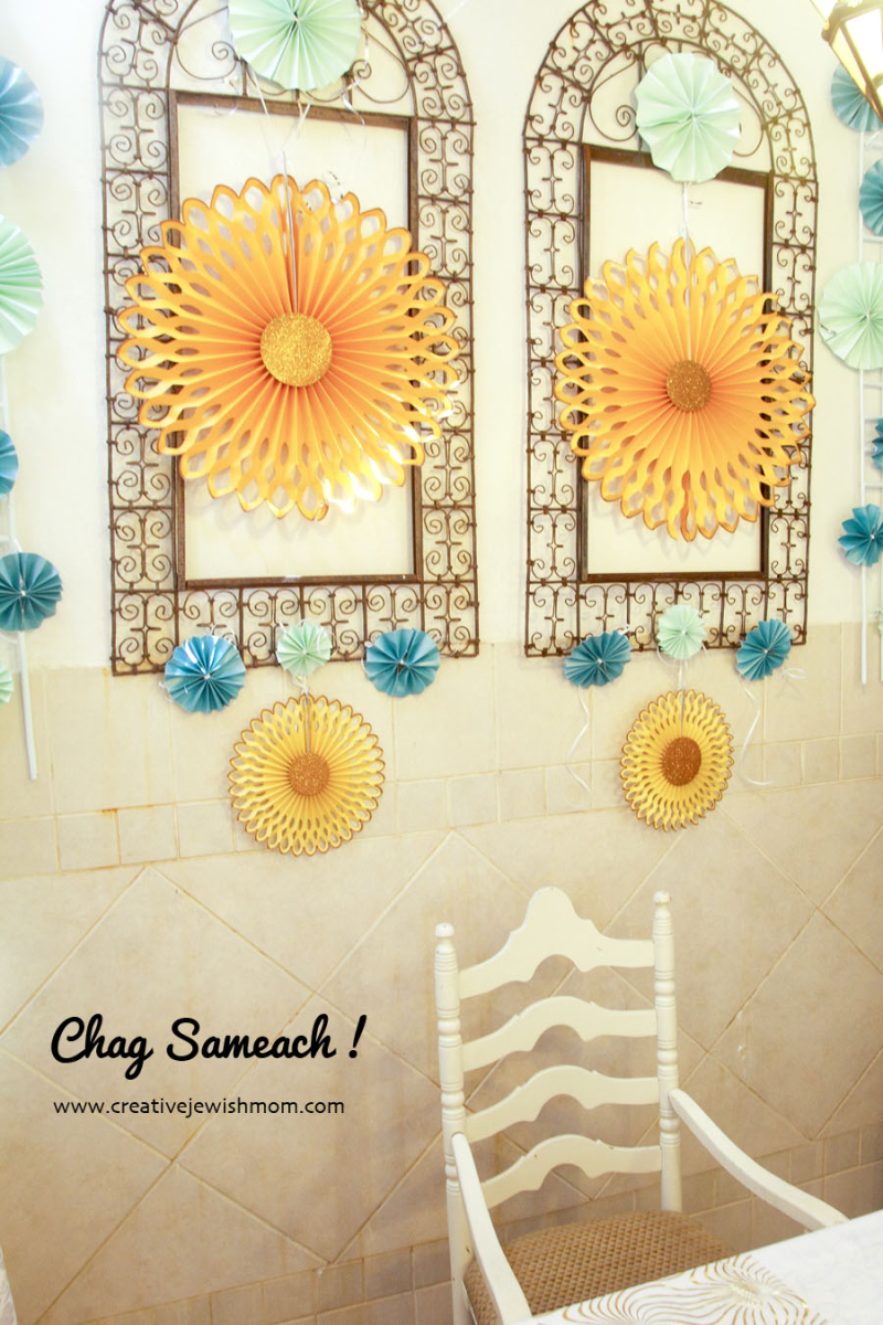 Succah Decorations With Paper Medallions
