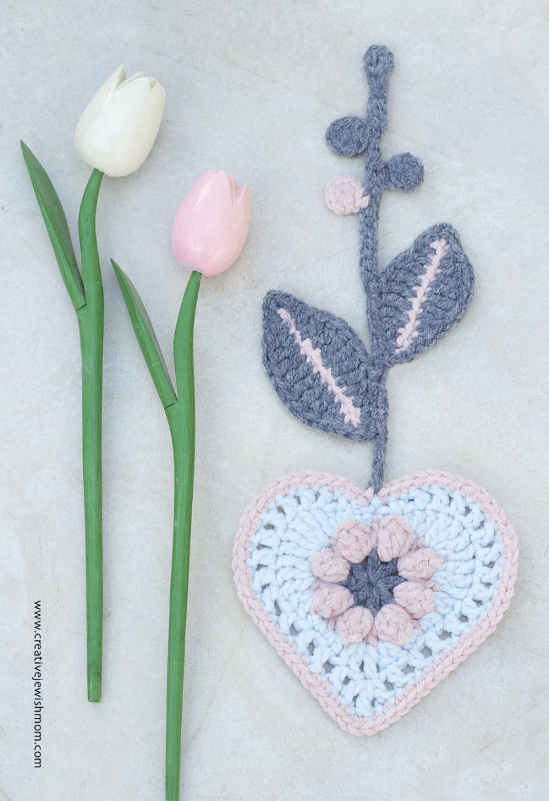 Crocheted Heart With Leaves Garland