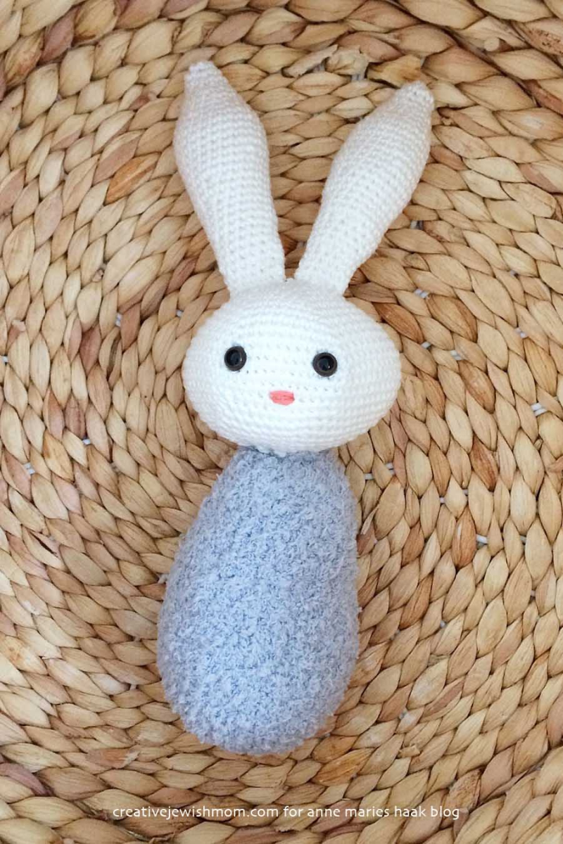 Simple-crocheted-bunny-toy