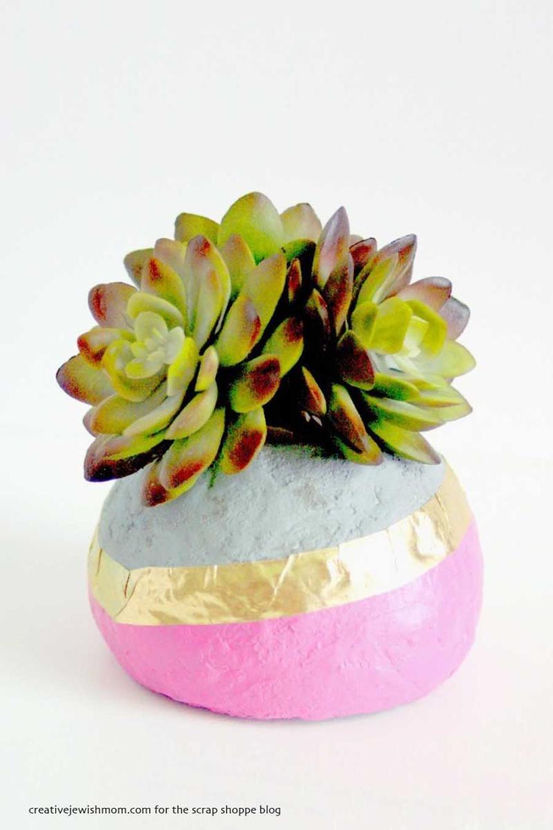Styrofoam-faux-concrete-succulent-planter