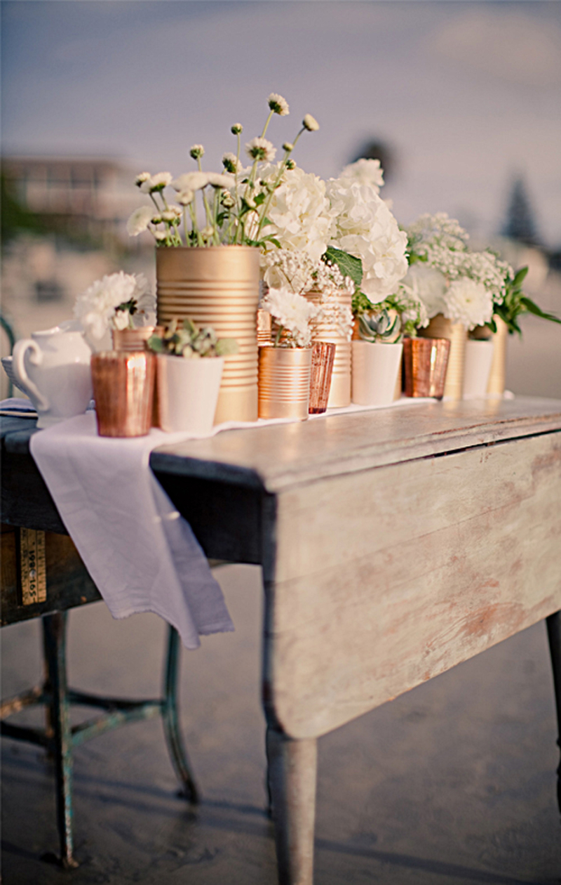 Diy-tin-can-centerpiece-with-gold-paint