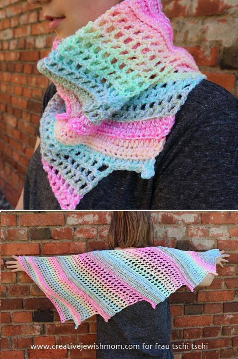 Crocheted mini baktus one ball scarf