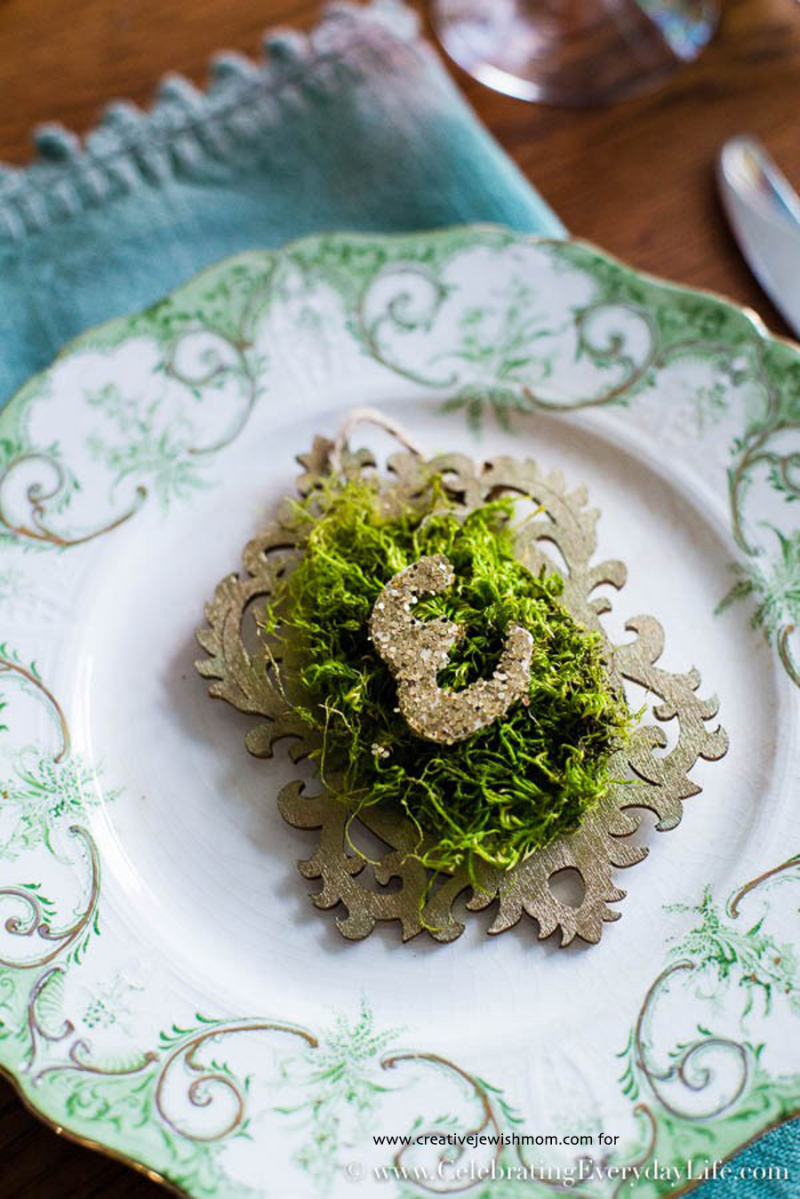 Moss initial place card